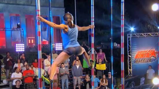 First female ever to advance to the American Ninja Warrior Finals - Kacy Catanzaro. | Showyou - Mozilla Firefox